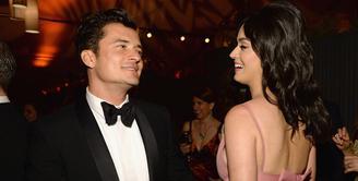 Katy Perry dan Orlando Bloom terlihat liburan bareng usai hampir satu tahun putus. (Vanity Fair)