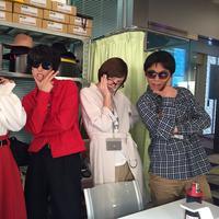Bukan seragam, pakai outfit casual ke kantor memang terasa lebih menyenangkan. (Sumber foto: suda-masaki.com)