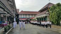 Lomba upacara di Rutan Pondok Bambu memperingati Hari Kartini (Liputan6.com/ Nanda Perdana Putra)