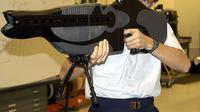 Dengan teknologi, senjata menjadi lebih mematikan dan efisien.