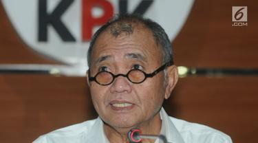 Ketua KPK Agus Rahardjo memberi keterangan terkait korupsi pembangunan Ruang Terbuka Hijau (RTH) di Kota Bandung, Jakarta, Jumat (20/4). Dalam pembangunan RTH tersebut terindikasi adanya mark up harga. (Merdeka.com/Dwi Narwoko)