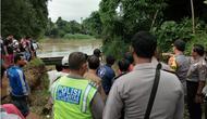 Perahu di Serang tenggelam. (Liputan6.com/Yandhi Deslatama)