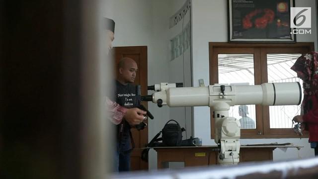 Menjelang gerhana bulan total atau supermoon pada rabu malam, sejumlah persiapan dilakukan oleh Pengurus Masjid Agung Jawa Tengah.