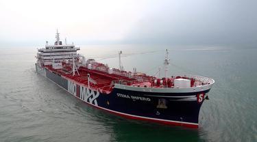Ilustrasi kapal tanker yang melintasi perairan Teluk Persia (AP Photo)