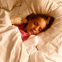 Ilustrasi anak tidur./Copyright pexels.com/@samraetom