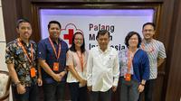 E-commerce Shopee berdonasi Rp 1 miliar kepada Palang Merah Indonesia (PMI). Dok Shopee