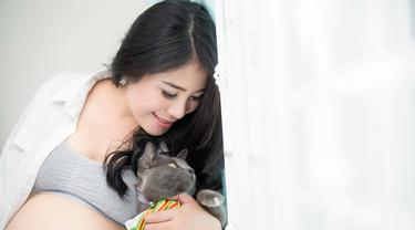 ibu hamil memelihara kucing