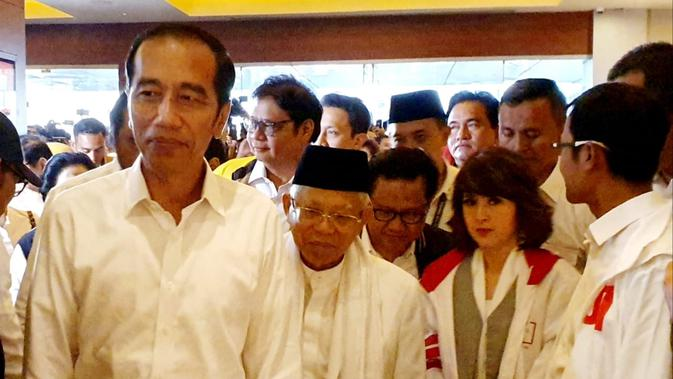 Calon Presiden Petahana Jokowi saat berada di Djakarta Theatre, Jakarta. (Liputan6.com/Ratu Annisaa Suryasumirat)