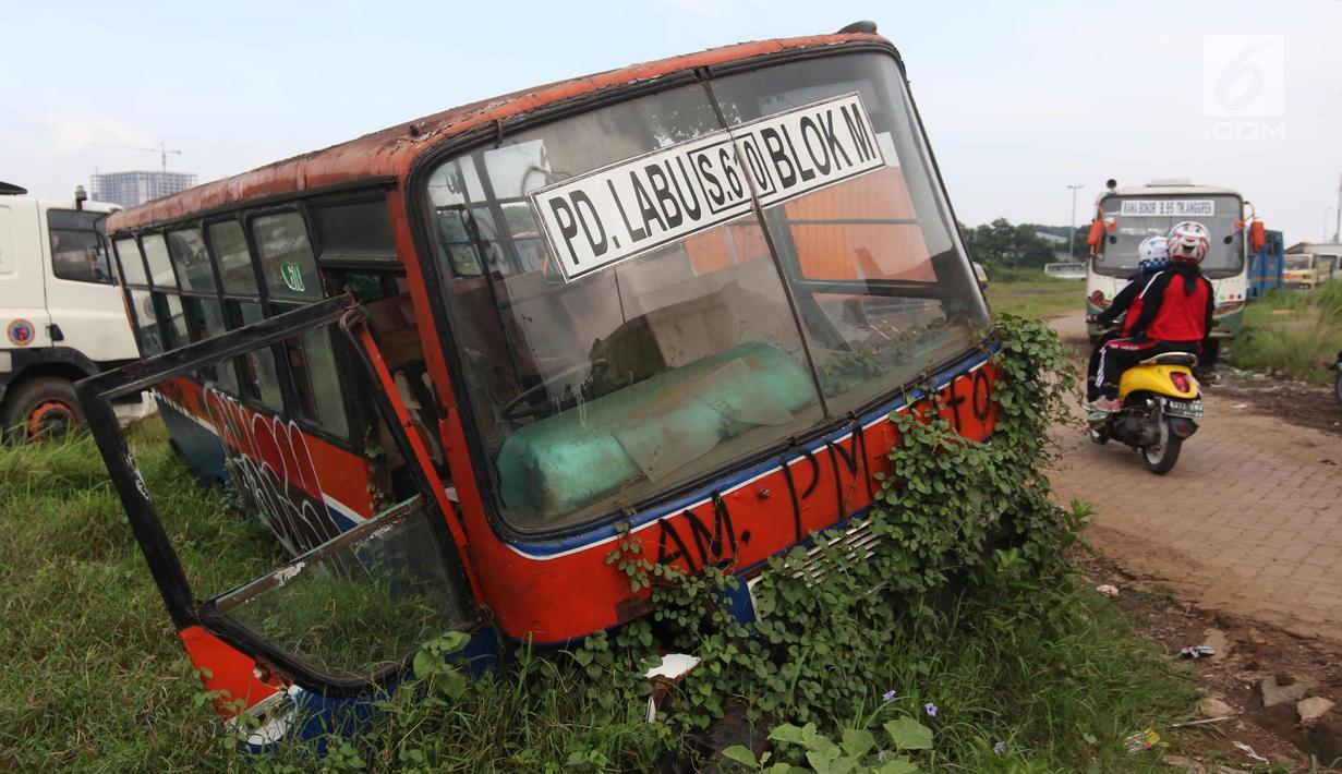 Fantastisk FOTO: Nasib Bangkai Bus Metromini yang Tergusur Zaman - News PQ38