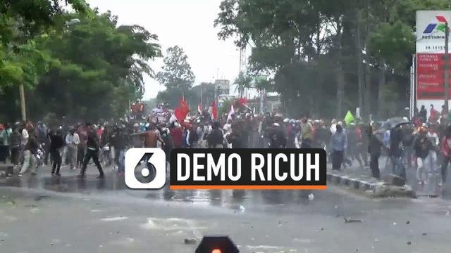 demo mencekam