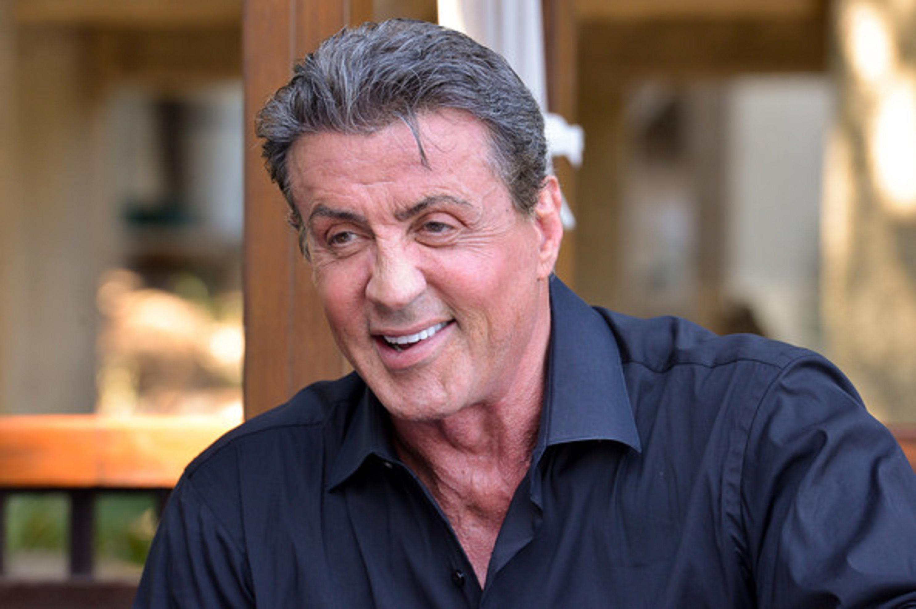 Aktor kawakan Hollywood Sylvester Stallone beranggapan dirinya tak layak memerankan agen mata-mata Inggris, James Bond.