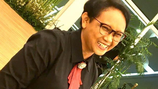 Ekspresi Menlu Retno Marsudi saat menghadiri nobar live streaming pembacaan hasil sidang umum PBB yang digelar di New York, Kamis, 17 Oktober 2019, Kementerian Luar Negeri RI, Jakarta. (Liputan6.com/Afra Augesti)