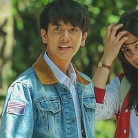 Film Dilan 1990 masih tayang di bioskop namun kepingan CD bajakan sudah beredar di Cirebon (Liputan6.com / Instagram)