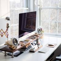 Ciptakan susana ruang kerja nyaman di rumah dengan cara ini. (Foto: Unsplash)