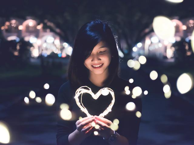 40 Kata Kata Cinta Dalam Diam Penuh Perasaan Dan Menyentuh Hati Hot Liputan6 Com