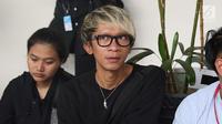 Aktor Aming saat menghadiri sidang kasus narkoba Tio Pakusadewo di PN Jakarta Selatan, Kamis (7/6). Sidang beragendakan pledoi. Sidang yang beragendakan pledoi atau pembacaan pembelaan dari Tio Pakusadewo. (Liputan6.com/Immanuel Antonius)