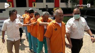 Polda Kepulauan Riau mengungkap korupsi berjamaah pembangunan pasar modern di Natuna.