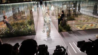 Kembalinya Sejumlah Rumah Mode Dunia ke Runway Fisik Paris Fashion Week 2022