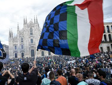 FOTO: Selebrasi Pendukung dan Fans Menyambut Scudetto ke-18 Inter Milan dan yang Pertama dalam 11 Tahun Terakhir