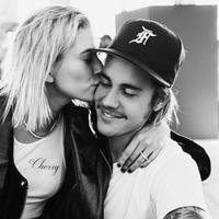 Keduanya sendiri masih belum mengumumkan kapan pernikahan mereka akan dilangsungkan. (instagram/justinbieber)