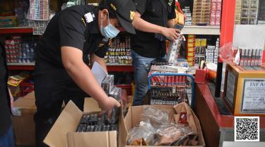 Gempur Rokok Ilegal, Bea Cukai Pekanbaru dan Tembilahan Gencarkan Operasi Pasar