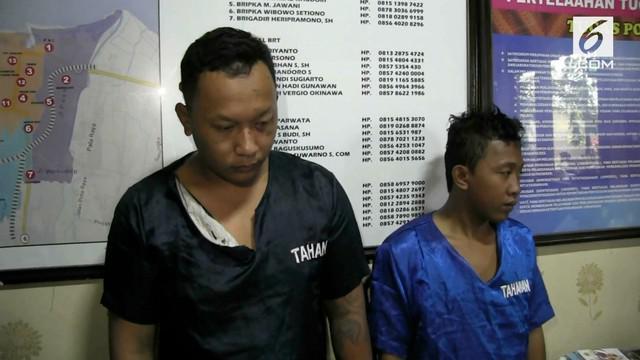 Baru keluar penjara, dua pria malah diamuk massa karena kembali menjambret.