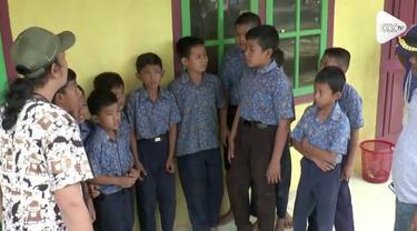Kepala sekolah yang mengajak siswanya untuk menonton film dewasa sebelum mata pelajaran di Jambi akhirnya dicopot dan dimutasi.