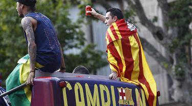 Xavi Beber Alasan Marahi Neymar di Selebrasi Treble Barca