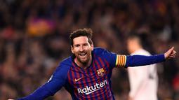 1. Lionel Messi (Barcelona) - 33 gol dan 13 assist (AFP/Josep Lago)