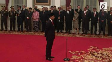 Presiden Jokowi melantik Letjen TNI Doni Monardo menjadi Kepala Badan Nasional Penanggulangan Bencana.