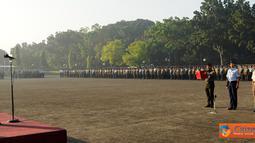 Citizen6, Jakarta: Dalam upacara yang diikuti oleh segenap personel Mabes TNI, Panglima TNI menyatakan komitmennya untuk mendukung kebijakan pemerintah terkait  pelaksanaan APBNP tahun 2012. (Pengirim: Badarudin Bakri Badar).