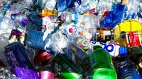 Illustration of plastic waste (dok.unsplash/ Nick Fewings)