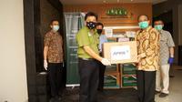 RAPP Bersama Asosiasi Pengusaha Hutan Indonesia menyerahkan bantuan alat kesehatan dan APD untuk penanganan Covid-19 di Jakarta, Selasa (21/4/2020). (Ist)