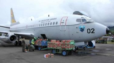 TNI AU Kerahkan Pesawat Angkut Logistik Untuk Korban Gempa Sulbar.