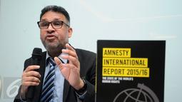 Deputi Kampanye Regional Amnesty International untuk Asia Tenggara dan Pasifik, Josef Benedict memberikan keterangan saat peluncuran Laporan HAM 2015 Amnesty International di Jakarta, Rabu (24/2/2016). (Liputan6.com/Helmi Fithriansyah)