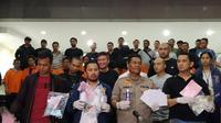 Kabid Humas Polda Metro Jaya Kombes Argo Yuwono merinci ada 72 tersangka karena melawan petugas dan melakukan perusakan di Bawaslu. (Merdeka.com)