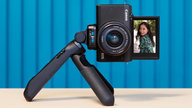 Canon EOS M200. Dok: pt. Datascrip