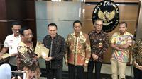 Menko Polhukam Mahfud Md mengenalkan anggota Pansel Kompolnas, Kamis (16/1/2020). (Liputan6.com/ Putu Merta Surya Putra)