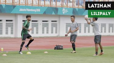 Berita video Stefano Lilipaly menjalani latihan terpisah dan berbeda saat Timnas Indonesia berlatih persiapan untuk Piala AFF 2018 di Stadion Wibawa Mukti, Cikarang, Jumat (2/11/2018).