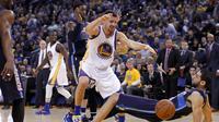 Guard Golden State Warriors, Klay Thompson saat hadapi Mavericks (Reuters)
