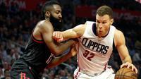 LA Clippers siap memberikan kontrak baru untuk Blake Griffin setelah mereka ditinggal Chris Paul yang bergabung ke Houston Rockets. (EPA/Paul Buck)