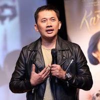 Sutradara Hanung Bramantyo kembali menggarap film tentang salah satu pahlawan Indonesia. Kini, suami Zaskia Adya Mecca itu sedang membuat film Kartini. Tokoh yang dikenal memperjuangkan hak-hak perempuan. (Nurwahyunan/Bintang.com)