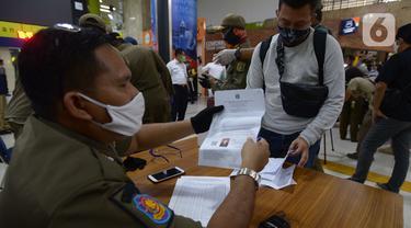 Masuk Jakarta, Penumpang Kereta Luar Biasa Wajib Tunjukkan SIKM