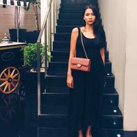 Mey Chan, teman duet Maia Estianty kala itu, kini kembali hadir. Kembali ke dunia musik, Mey Chan mengubah namanya menjadi Dita Anggraeni. Bicara soal penampilan, beginilah Mey Chan atau Dita yang sekarang. (Instagram/ditaofficial.id)