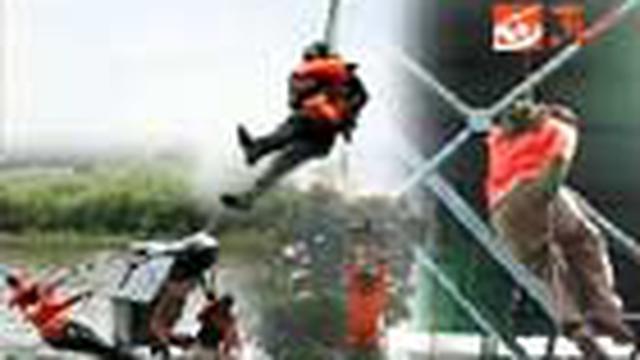 Sejumlah wartawan media cetak dan elektronik mendapat pelatihan fisik dan mental ala militer. Mereka mendapat pelatihan, seperti lompat terjun parasut, peluncuran, rapelling dari tower, dan pembalikan perahu secara tim.
