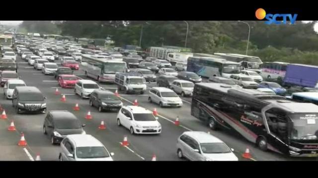 Guna mengantisipasi kemacetan yang terjadi, jajaran Satuan Lalu Lintas Polres Bogor memberlakukan sistem satu arah lebih awal.