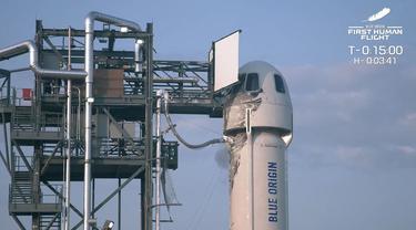 Roket New Shepard Blue Origin diluncurkan dari pelabuhan antariksa dekat Van Horn, Texas, Amerika Serikat, Selasa (20/7/2021). Kapsul yang membawa kru Blue Origin berakselerasi hingga lebih dari tiga kali kecepatan suara. BLUE ORIGIN/AFP