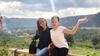 Sandrinna Michelle dan Ibunda (Sumber: Instagram/wanti_wanti_15/)