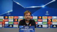 Manajer Liverpool, Jurgen Klopp, memperingatkan Manchester City kalau timnya akan berusaha semaksimal mungkin untuk meraih kemenangan pada leg pertama babak perempat final Liga Champions 2017-2018. (AFP/Paul Ellis)