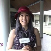Mengusung karakter zombie, tentunya menjadi hal baru dan unik dalam cerita horor Indonesia. Ardina Rasti pun ikut bermain dalam web series School of The Dead yang bekerja sama dengan Vidio.com ini.